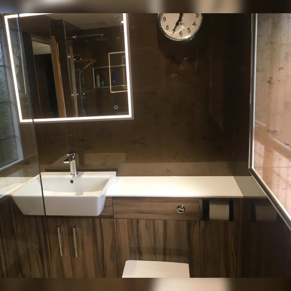 FULLY FITTED BATHROOM STOKE ON TRENT