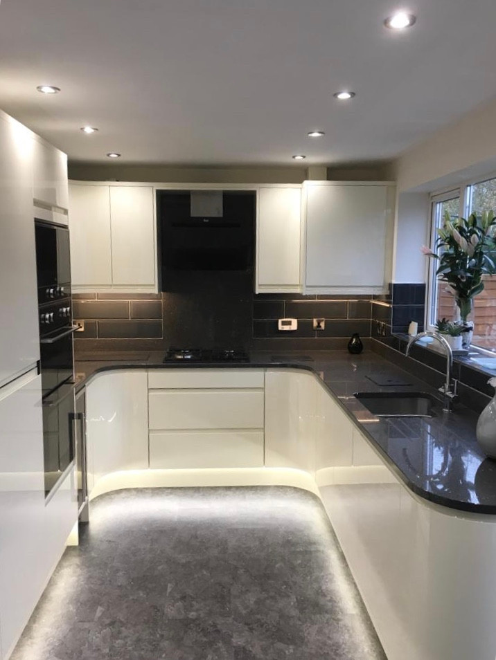 High Gloss Cashmere kitchen