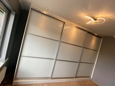 Fully Fitted Sliding Wardrobes