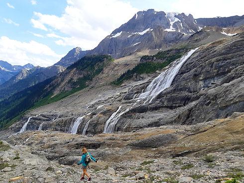 hiking mummery .jpg