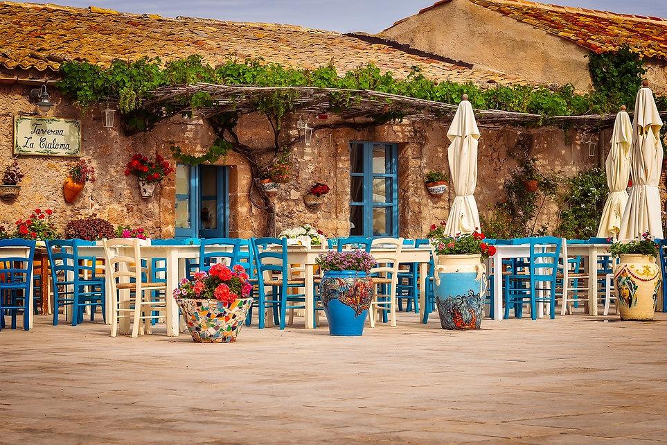restaurant-3492711_1280.jpg