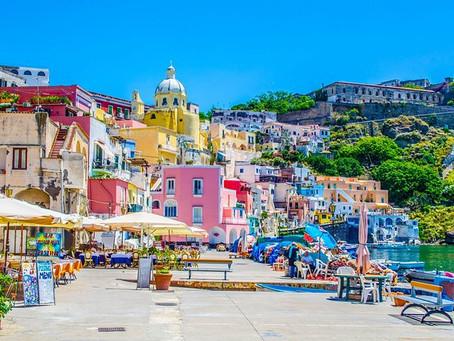 Neapolský záliv v sebe ukrýva 3 čarovné ostrovy