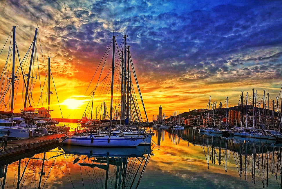 sunset-5077915_1920.jpg