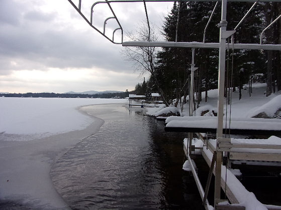 De-Icing for docks, harbours, marinas and boats in ontario, quebec, maritimes and Canada