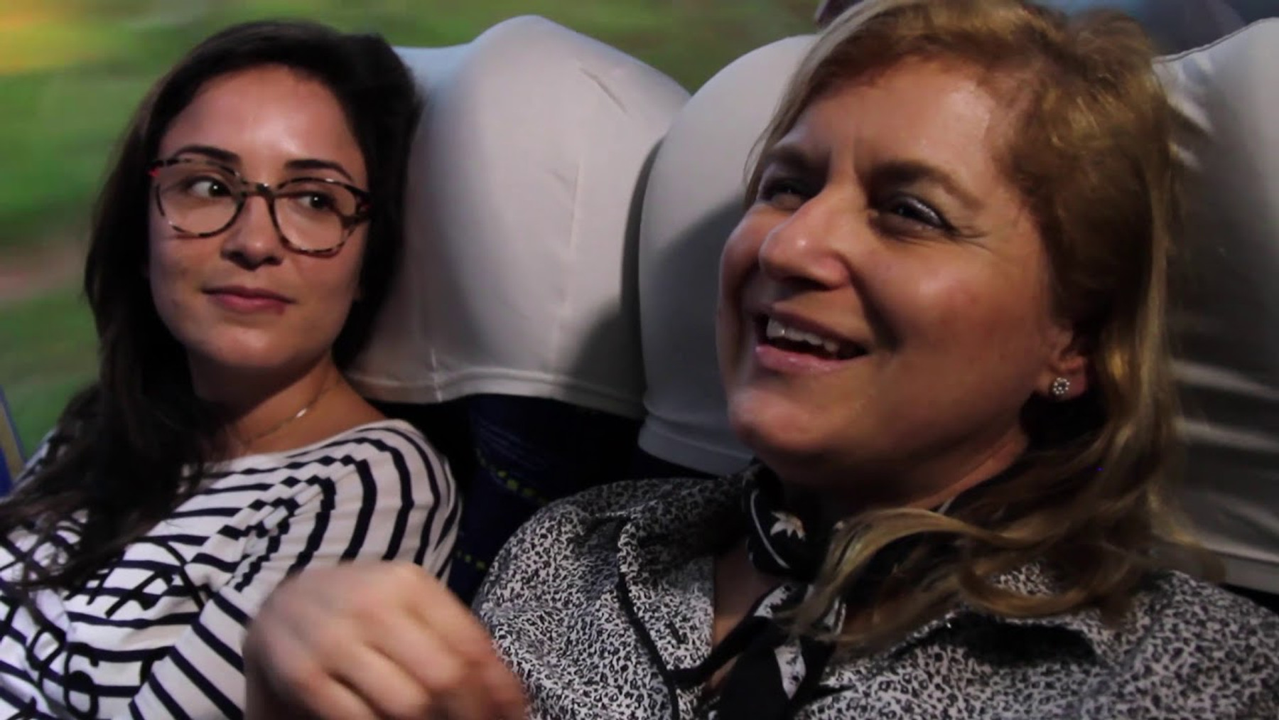 "Charter buses (""fretados""): disciplined comfort"