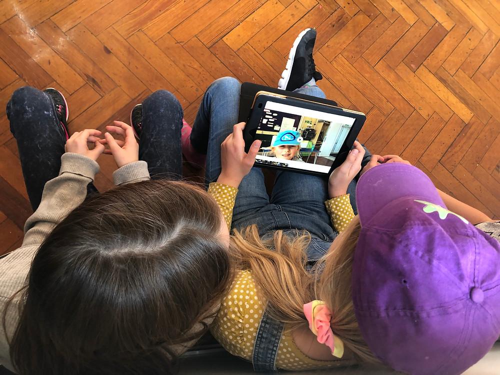 Children using iMovie