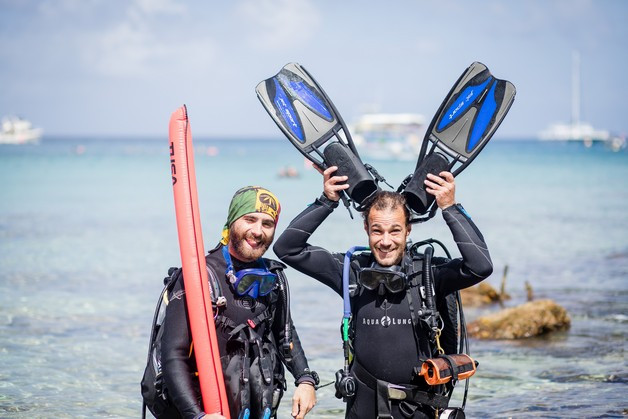 Happy Divers and fins.jpg