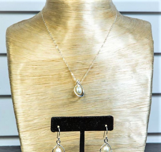 Pearl Earring and Necklace Set