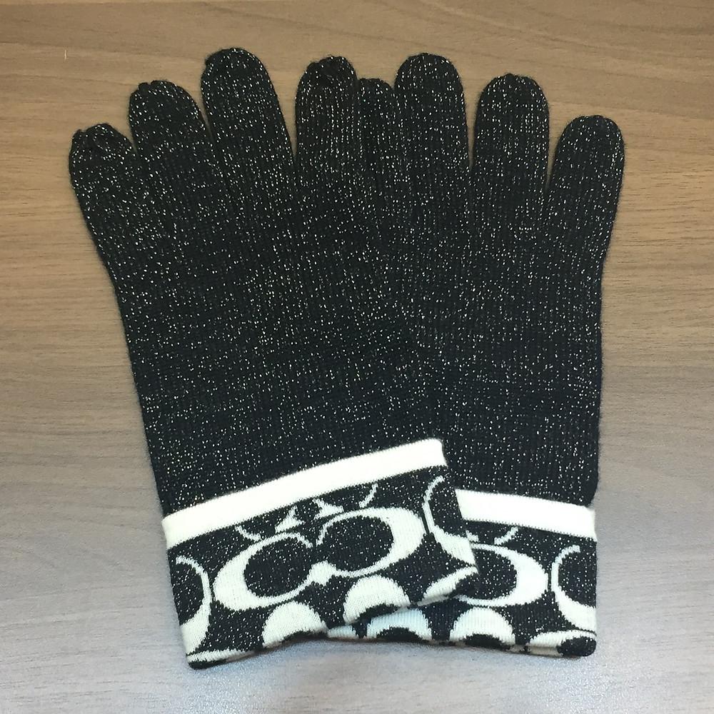 ブランドスターズで買取したコーチの手袋の写真