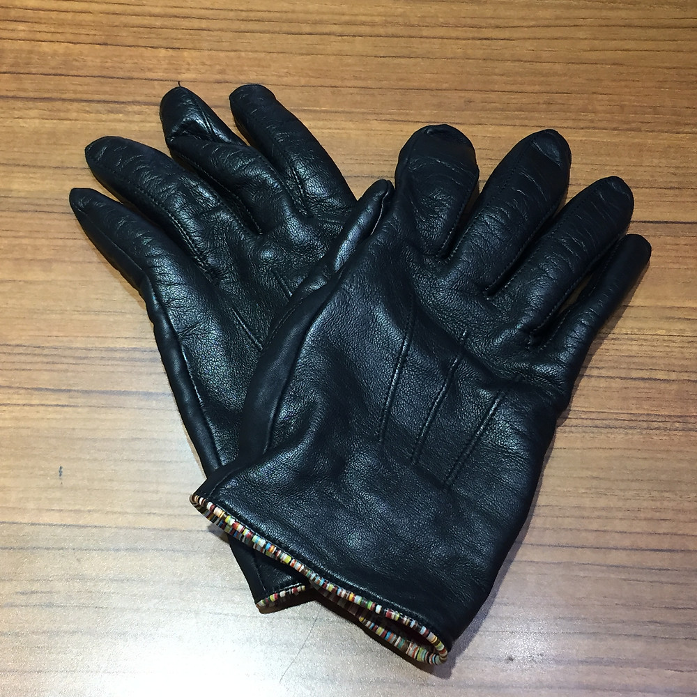 ブランドスターズサンシティ池田店で買取したポールスミスの手袋の写真