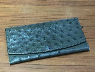 オーストリッチの財布を買取させて頂きました。