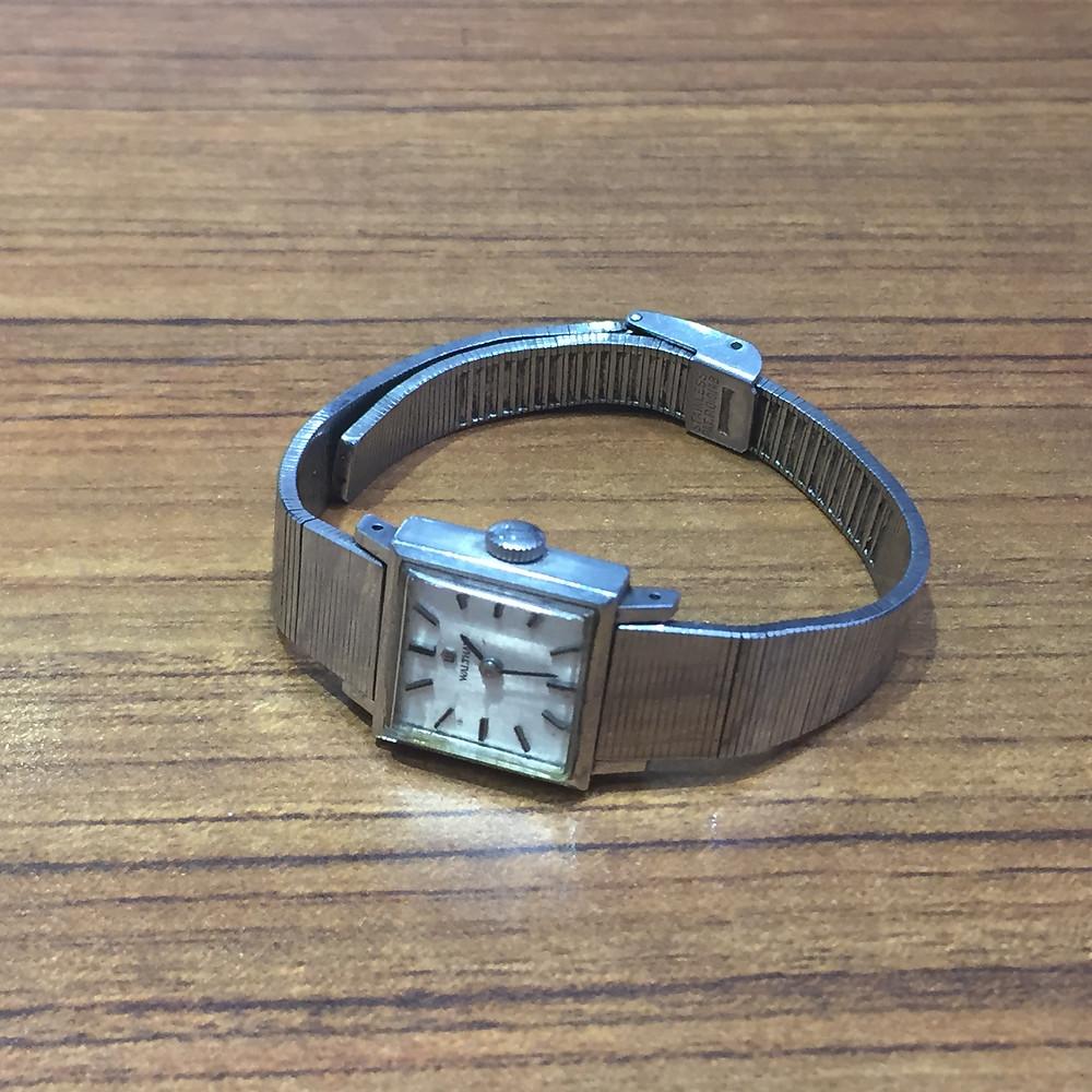 ブランドスターズ池田店で買取したウォルサムの時計の写真