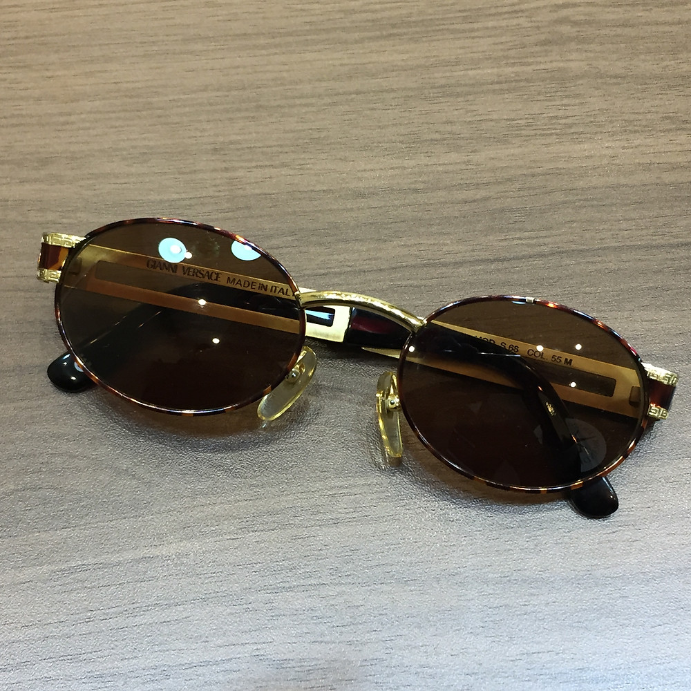ブランドスターズで買取したヴェルサーチのサングラスの写真