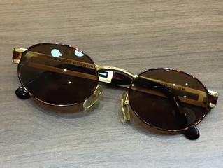 ヴェルサーチのサングラスを買取させて頂きました。