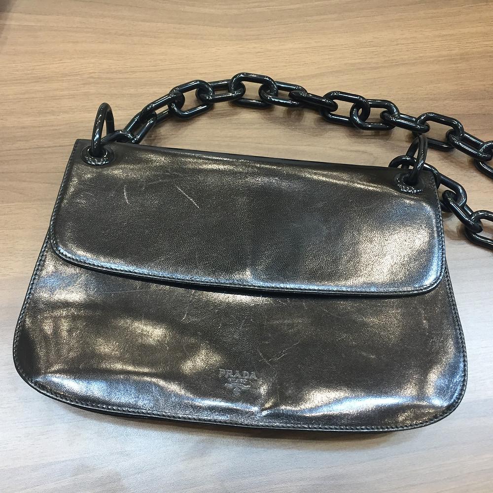 ブランドスターズで買取したプラダのバッグの写真