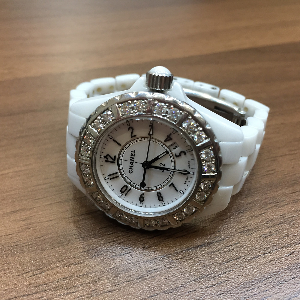 ブランドスターズで買取したシャネルの時計の写真