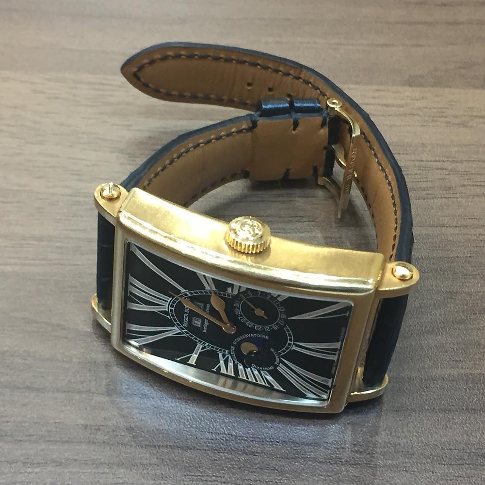 ブランドスターズで買取したロジェデュブイの時計の写真