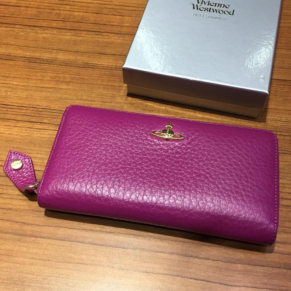 ブランドスターズサンシティ池田店で買取したヴィヴィアンウエストウッドの長財布の写真