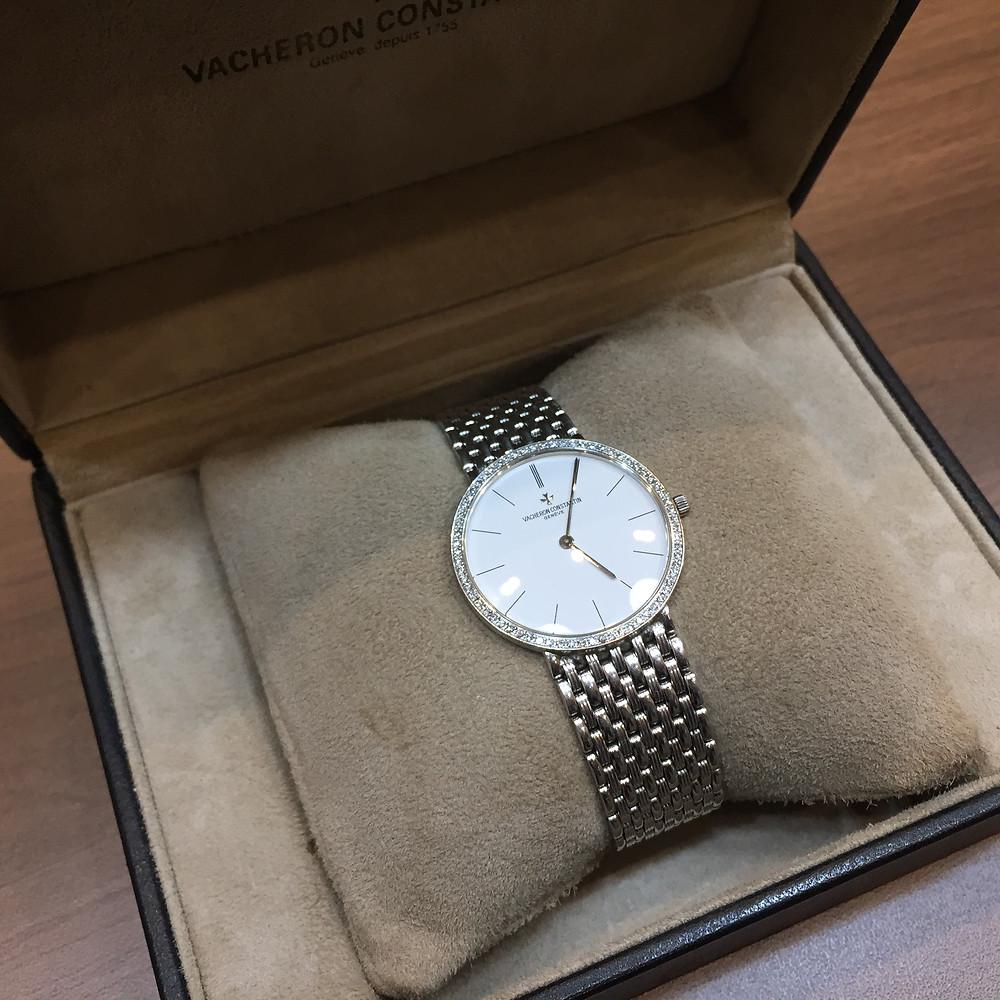 ブランドスターズで買取したヴァシュロンコンスタンタンの時計の写真