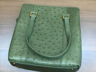 オーストリッチのバッグを買取させて頂きました。