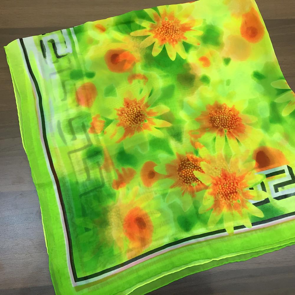 ブランドスターズで買取したヴェルサーチのスカーフの写真