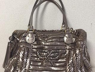 アニヤハインドマーチのバッグを買取させて頂きました。