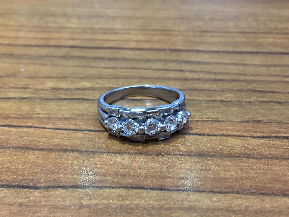 ブランドスターズ池田店で買取したダイヤモンドのリングの写真