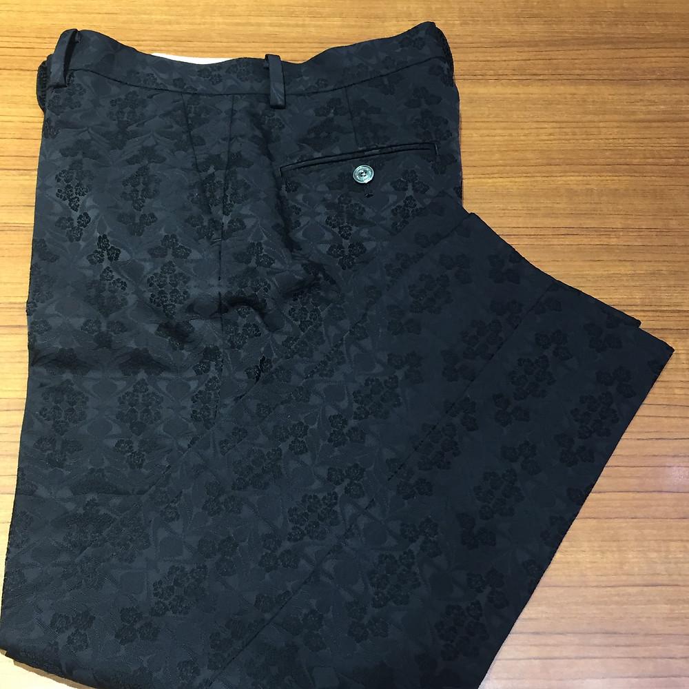 ブランドスターズサンシティ池田店で買取したトゥモローランドのパンツの写真