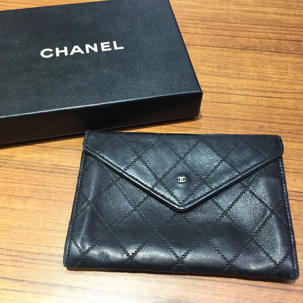 ブランドスターズ池田店で買取したシャネルの折財布の写真