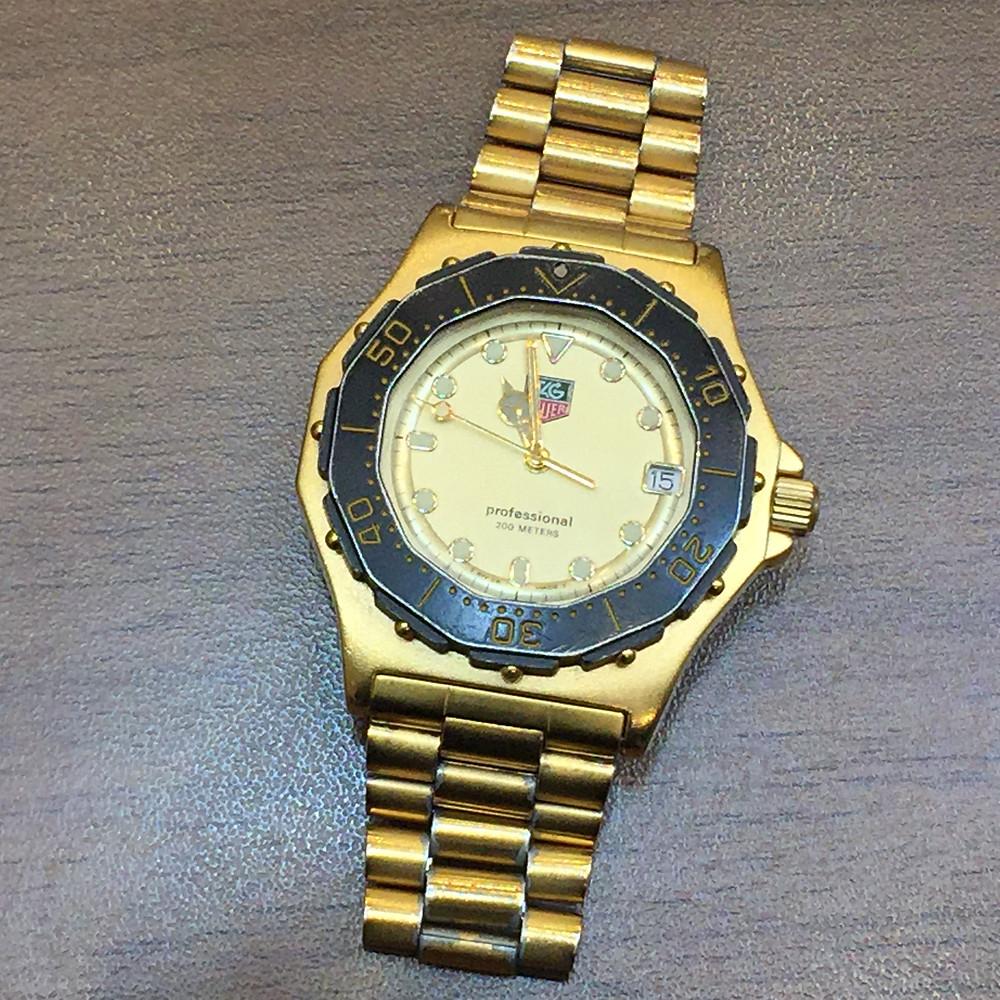 ブランドスターズで買取したタグホイヤーの時計の写真