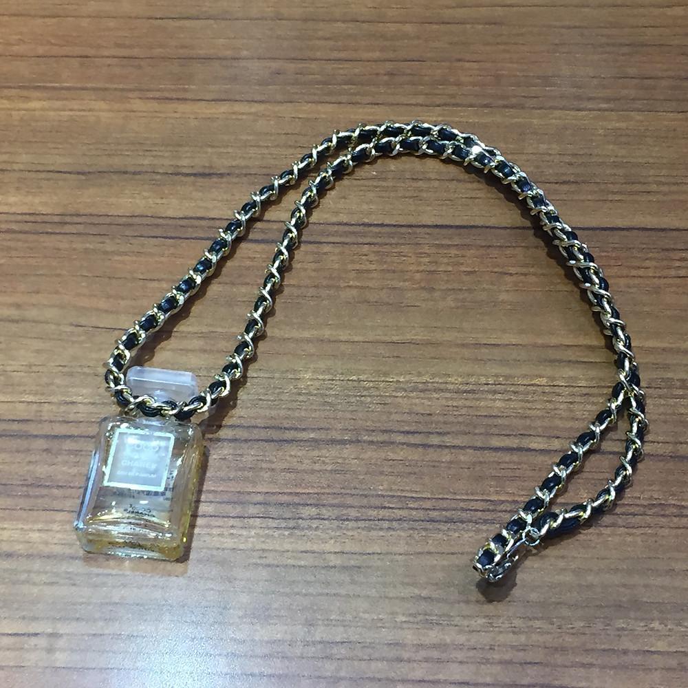 ブランドスターズサンシティ池田店で買取したシャネルの香水ネックレスの写真