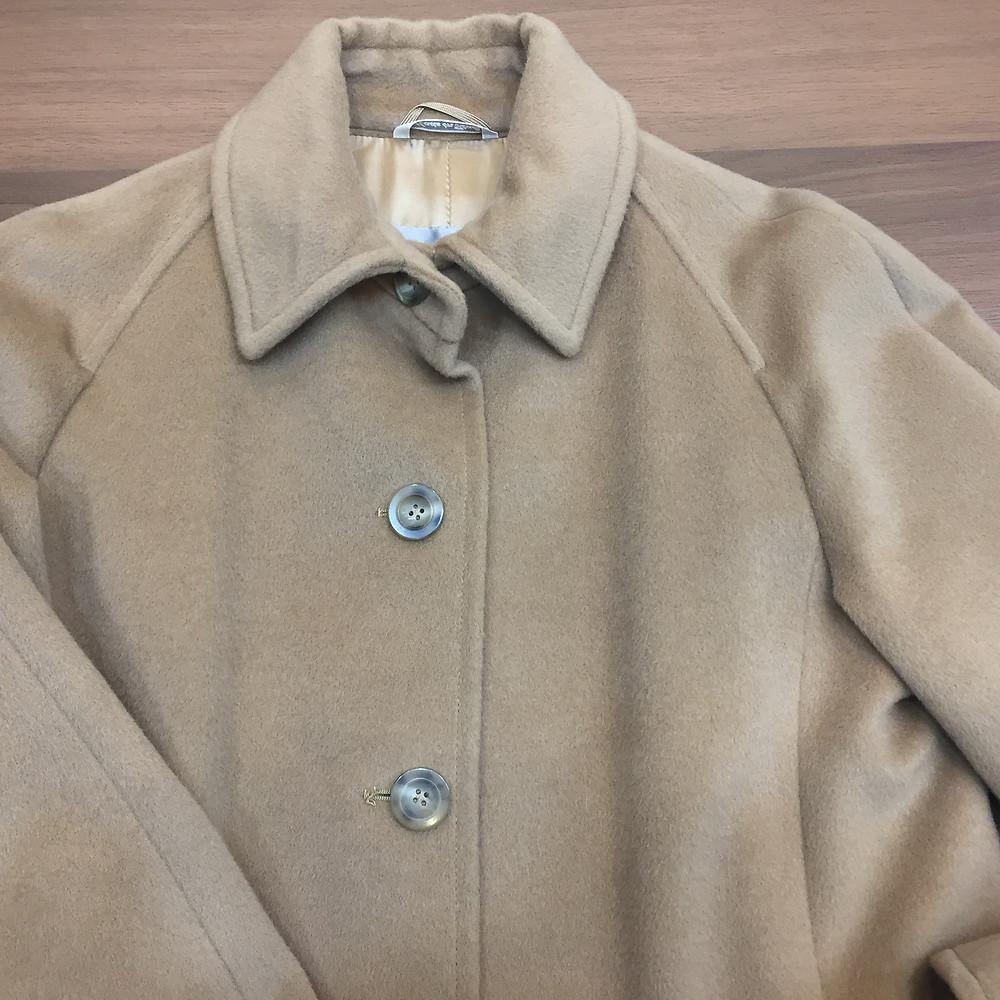 ブランドスターズで買取したマックスマーラのコートの写真