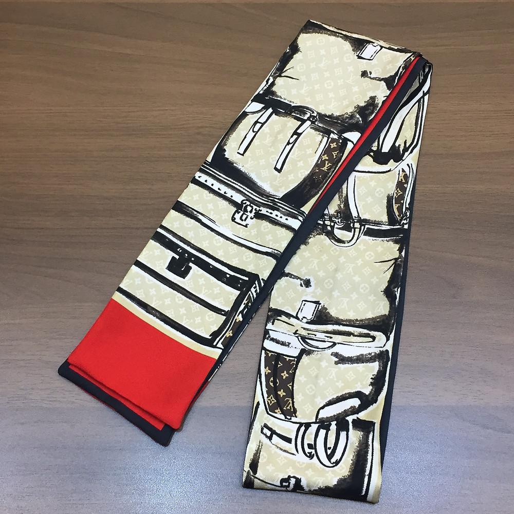 ブランドスターズで買取したヴィトンのスカーフの写真