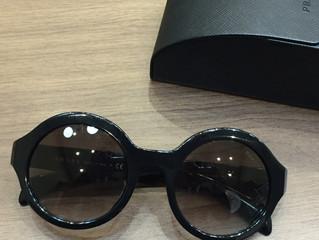 プラダのサングラスを買取させて頂きました。