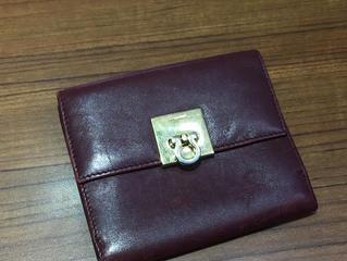 フェラガモの財布を買取させて頂きました。