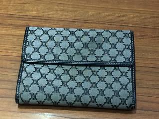 セリーヌの財布を買取させて頂きました。