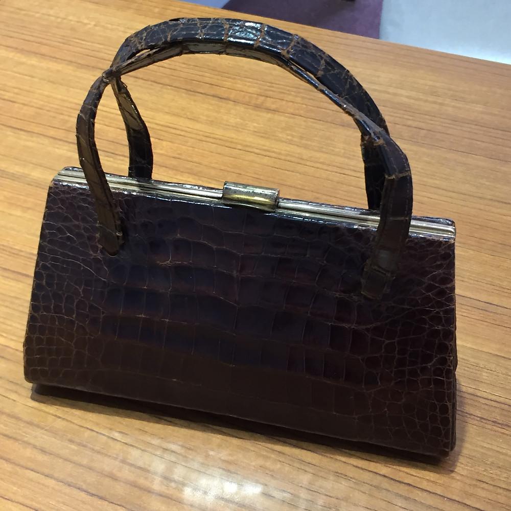 ブランドスターズサンシティ池田店で買取したアリゲーターのバッグの写真