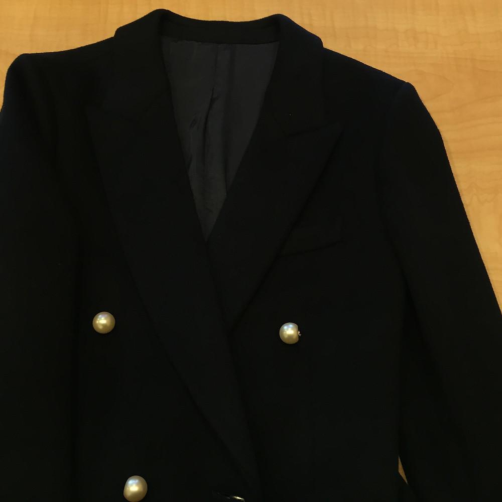 ブランドスターズ豊中東泉丘店で買取したセリーヌのコートの写真