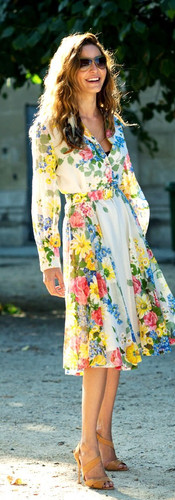 easter-sunday-look-floral-dresses-9.jpg