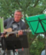Klaus Gitarre 3.jpg