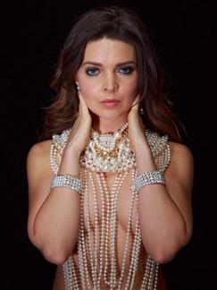 Photo of brunette woman in pearls - Medford photographer John Neilson