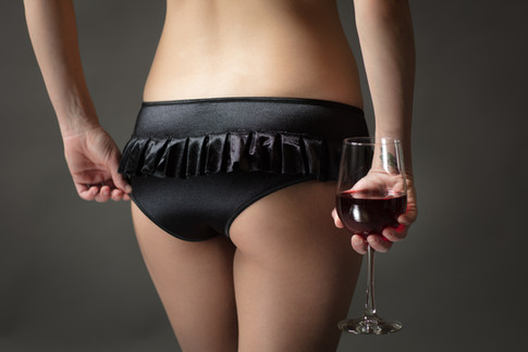 Black ruffle panty with wine