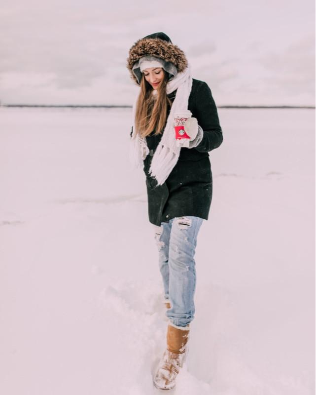Snow & Starbucks