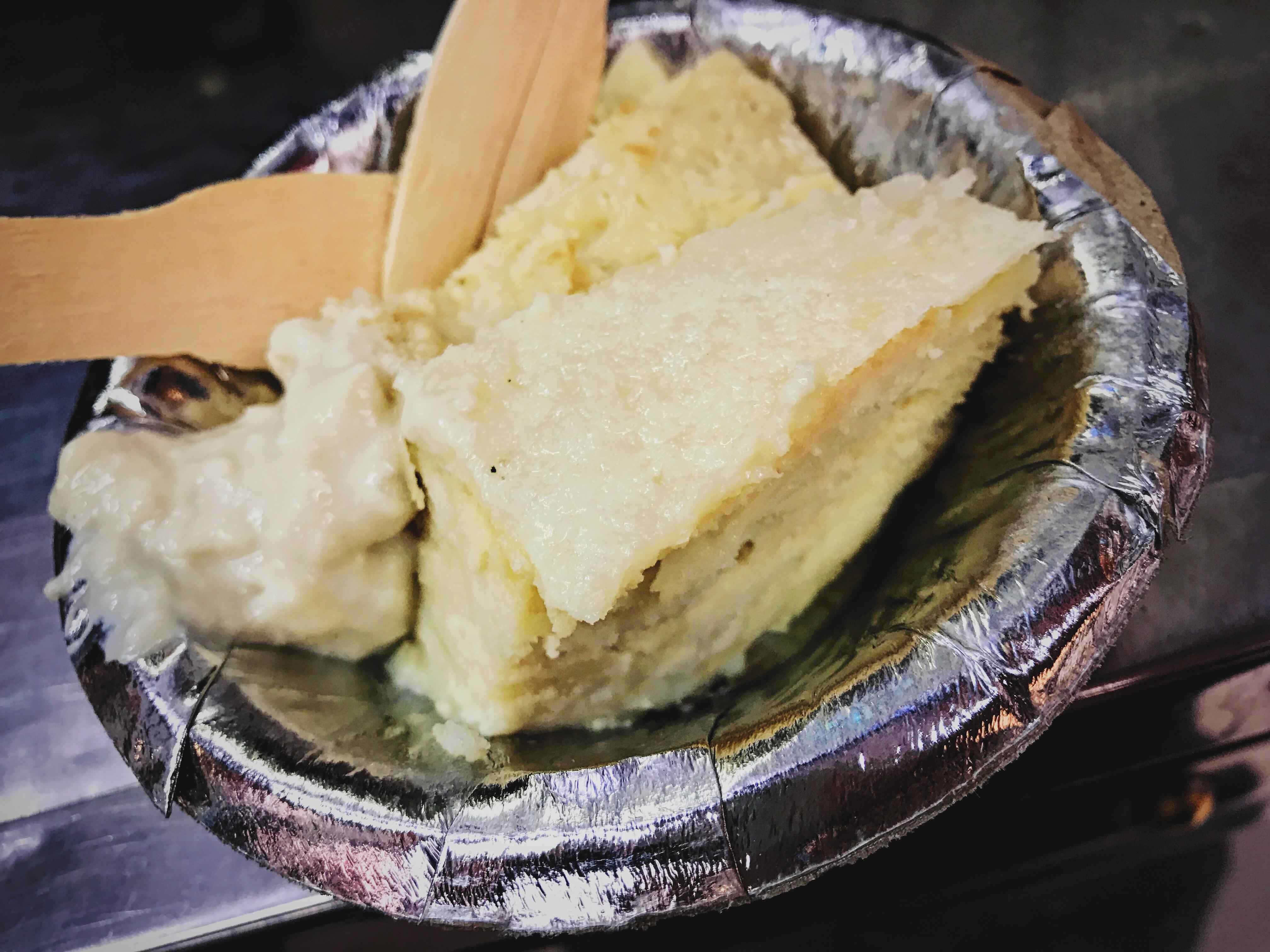 Món bánh sữa mà mình ăn không ăn được qua miếng thứ hai huhu