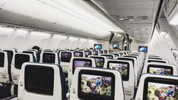 Trên chuyến bay quá cảnh ở Oman