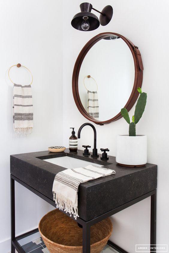 lavabo en marbre gris anthracite, robinetterie noire