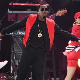 PUFF DADDY & THE BAD BOY FAMILY: Mo Money, Mo Problems, Feels So Good, Finna Get Loose