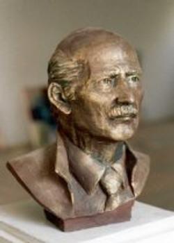 tn_Head of Prof Suphi KIRIM   54x49x30 cm 1986