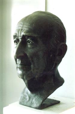 Head of Ord. prof. HIFZI VELDET VELIDEDEOGLU Bronz  1991