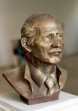 Head of Prof Suphi KIRIM   54x49x30 cm 1986